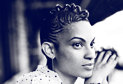 goapele soul black and white grooves